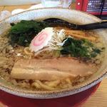 紅一点 - 醤油ラーメン648円