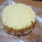 ビルゴ洋菓子店 - ベイクドチーズ(180円)