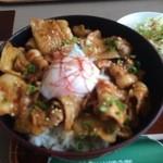 岩手山サービスエリア(上り線)レストラン - 佐助豚みそ焼き丼アップ