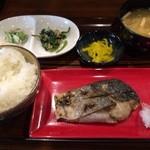 夏夏 - 焼魚定食(ハマチ)650円