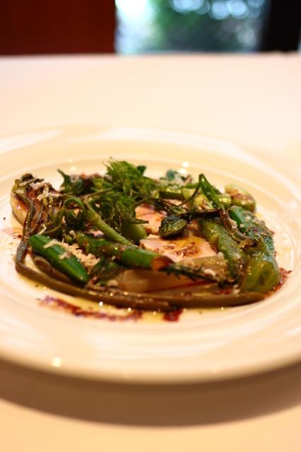 ape cucina naturale - 未来豚の自家製プロシュット・コット、春野菜のグリエを添えて