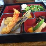 食楽酒房 明日 - 今日のサービス定食  天ぷら 650円