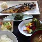 よし乃 - サバ定食 ¥880