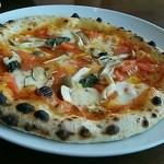 カフェフェリーチェ - きのこのナポリ風ピザ。この内容で980円(単品)