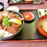 38997673 - ソースかつ丼「ヒレ」