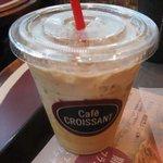 カフェ クロワッサン - アイスカフェラテ 300円