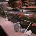 みやこ鮨 - カウンターの雰囲気