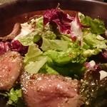 39004813 - 牛モモ肉のローストビーフサラダ マスタードドレッシング 850円