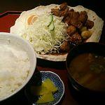 来来憲 - 特上角切とんてき(200g)1380円(ご飯・味噌汁・漬物付)