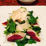 39009394 - 仏産アスペルジュソバージュと鴨の生ハムとパルミジャーノチーズのサラダ仕立て