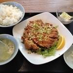 39009441 - ユーリンチー定食(950円)