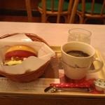 39011535 - H26/10モスバーガー、ホットコーヒー
