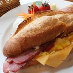39012255 - グラウビュンデンサンド フランスパン オリジナル 950円