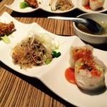 39013525 - おかわり自由の日替わり前菜!