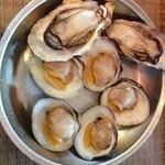 39021592 - 焼き牡蠣、焼き白ハマグリ