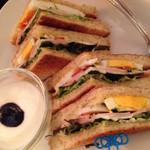 カフェ・ビシュエ - 本日のサンドイッチプレート