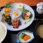 みやび亭 八百辰 - 料理写真:おまかせ幕の内プレート(1,680円)
