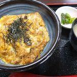 ハルミ食堂 - 看板メニューの江ノ島丼。