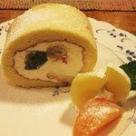 山鳩 - フルーツの         ロールケーキ