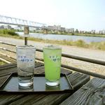 たぬきや 稲田堤 - チューハイと青りんごサワーが似合う河原