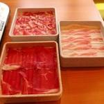 しゃぶ食べ - 牛肉、大麦三元豚肩ロース、バラ