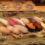 空創旬菜 雷神 県央店 - 寿司12カン + 地元の日本酒三種
