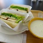 カフェ カディ - サンドイッチとポタージュ