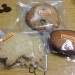 シュシュ - はりねずみのショートブレッド、フィナンシェ、レーズンとオートミールのクッキー