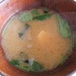 サララ - お味噌汁。