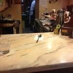 ボンユー - 奥の厨房で調理