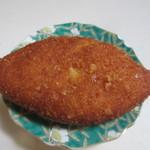 パンブリエ - 料理写真:熟成ビーフのカレーパン160円。
