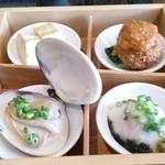 レストラン ぎんざ 泥武士 - 二の重弁当の一の段 はまぐり、まぐろとろろがけ、メンチカツ