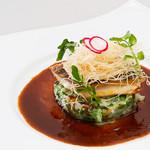 新宿イタリアン カルボナード - 真鯛のポワレ ~生海苔リゾット添え~(1,280円)ふわっと上品なポワレに磯の香り豊かな生海苔のリゾットを添えて