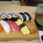 八潮すし - 料理写真:500円ランチ+富士宮紅鱒108円