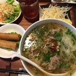 ベトナム家庭料理 QUAN AN TAM - 牛肉フォーランチセット