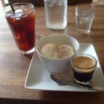 ライオン ダンス - 水出しコーヒー¥450 と アフォガード¥420