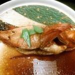 網元満平 平かわ - 煮魚(キンキ)
