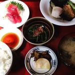 口福 - 煮物定食 身欠きニシン、揚げナス、里芋、ゼンマイの炊き合わせ