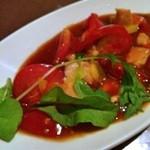 PARAGON - トマトとチキンのバジル炒め