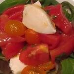 ノイ - 3種トマトのカプレーゼ風 900円