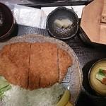 とん壱 - 料理写真:特大ロースかつ