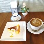 ミルコーヒー&スタンド - ニューヨークチーズケーキ、ラテ