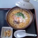 喫茶&お食事処 がろ~ - がろー(高知県須崎市鍛冶町)鍋焼きラーメン650円