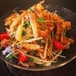 サルトビ - 新食感!!大根とカイワレの小揚げ乗せ特製サラダ!