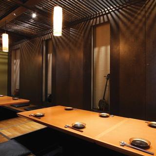 4名様用の堀の個室が4部屋。つなげて最大22名様までの宴会ができますよ♪