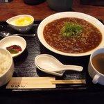 3908629 - ジャージャー麺定食 880円