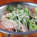フジヤマドラゴン - 料理写真:ホットハムサラダ