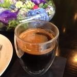 Nicolai Bergmann NOMU - 2015年6月ホットコーヒー 450円