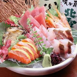 新鮮な魚を使ったお料理の数々。