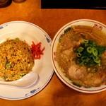 39083344 - 醤油ラーメン+焼き飯(並)セット!!(^o^)丿